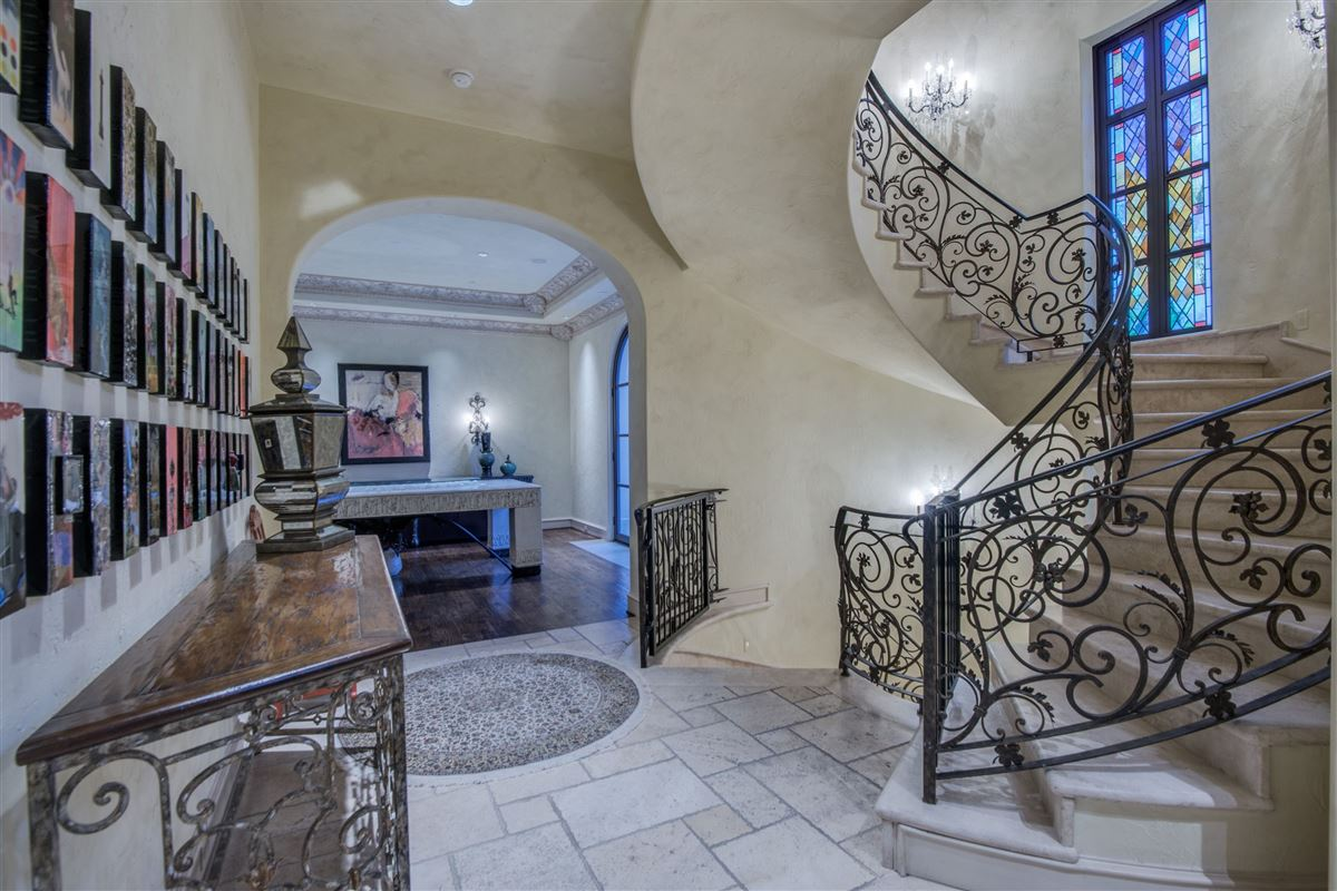 timeless finishes and thoughtful architecture luxury real estate