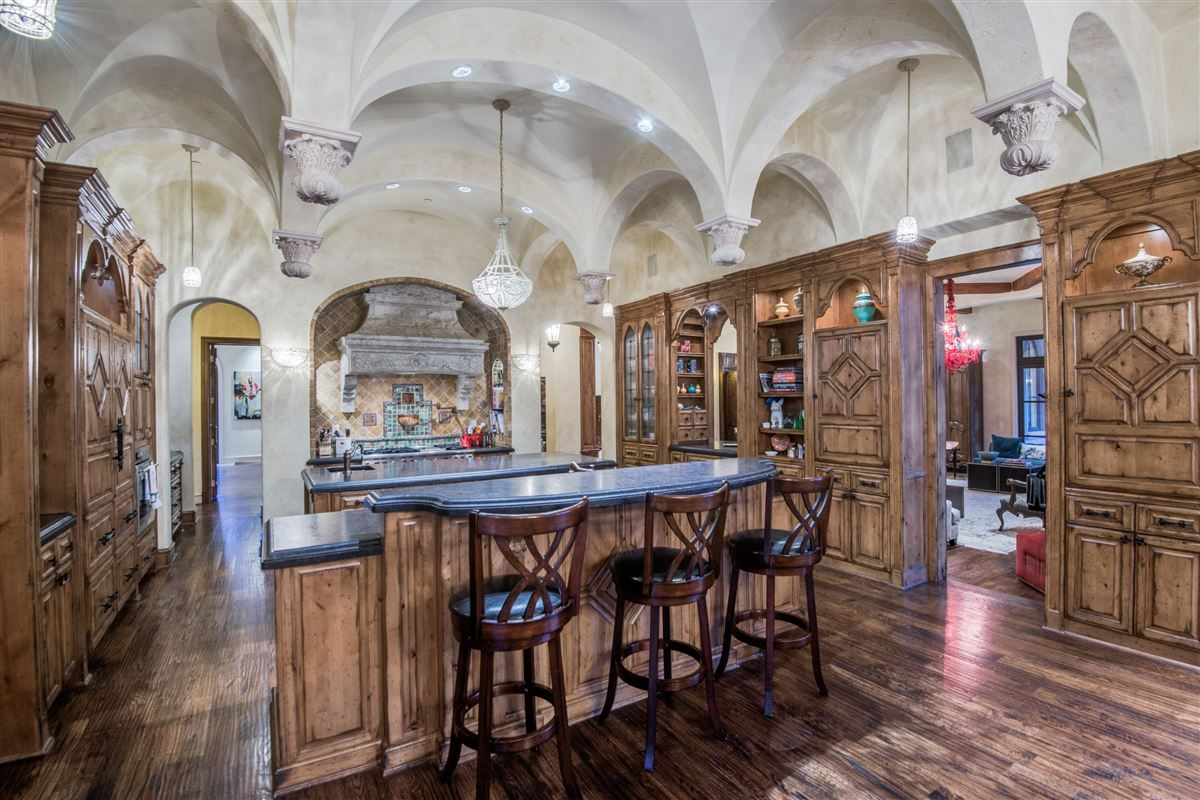 timeless finishes and thoughtful architecture mansions