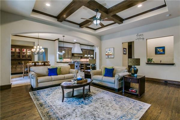 Luxury homes Luxurious Oasis in Preston Hollow