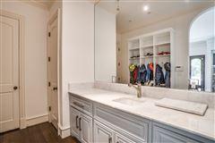 Luxury homes stately home in prestigious area