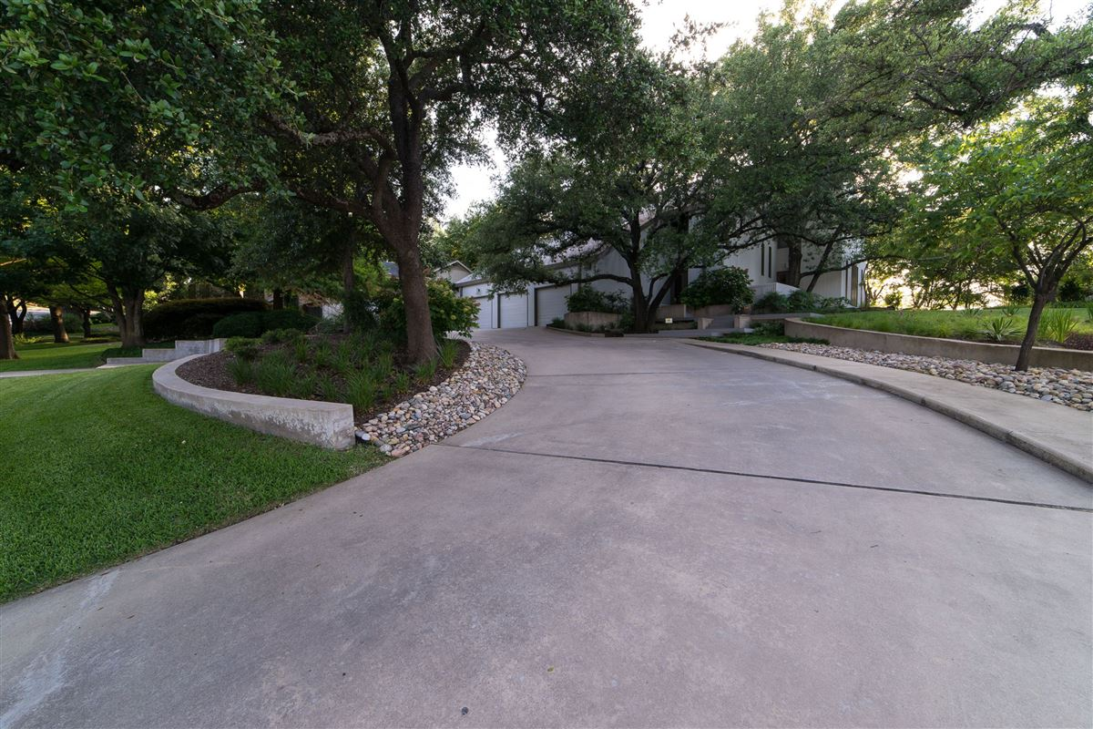 captivating contemporary on Las Colinas golf course luxury real estate