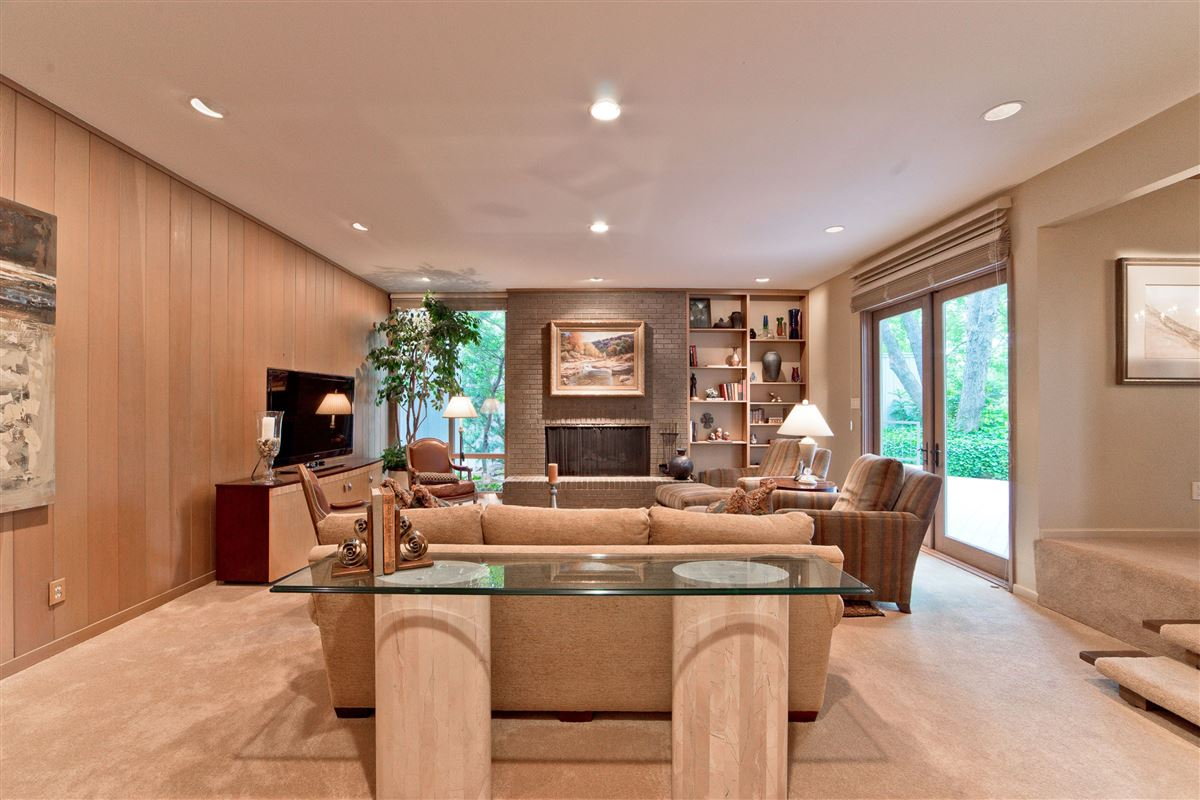 captivating contemporary on Las Colinas golf course luxury properties
