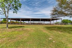 Luxury real estate fabulous turnkey equestrian facility