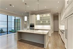 Luxury homes in New Construction Features Amazing Finishes