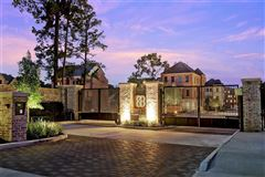 Luxury homes New Construction Features Amazing Finishes