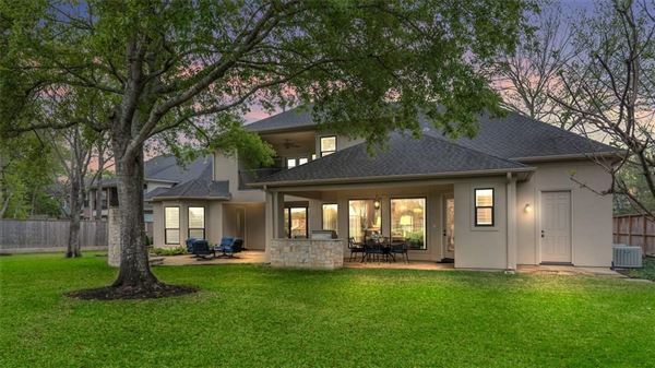 Luxury homes rare opportunity in West Side Forest In Texas