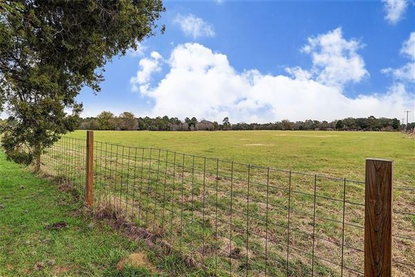 great country property with approximately 72 acres luxury real estate