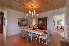 Luxury homes ICONIC TEXAS FARMHOUSE