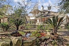 Mansions in City living with a country flair