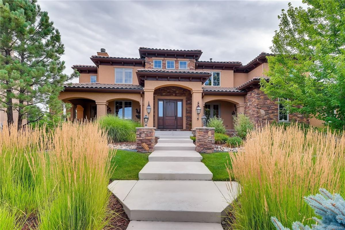 Luxury real estate unique custom home on large lot in Heritage Hills