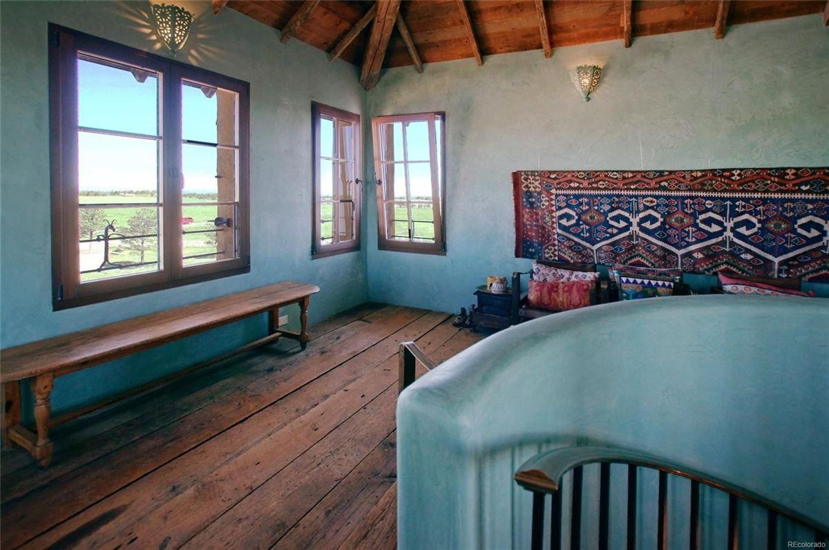 Luxury homes in commanding views of Pikes Peak