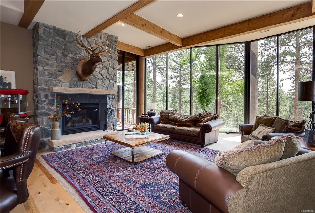 An unforgettable property in evergreen luxury real estate