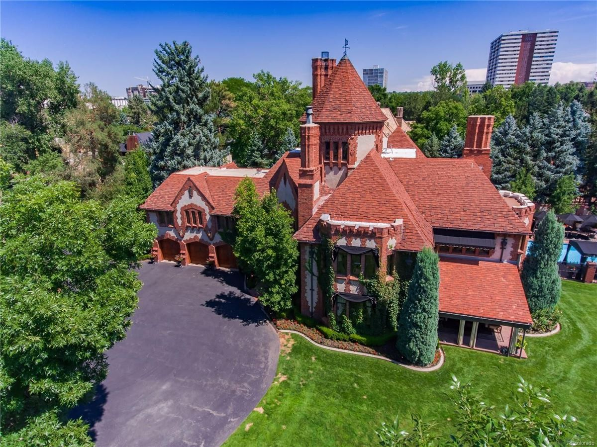 Luxury properties stately 1920s Tudor Estate