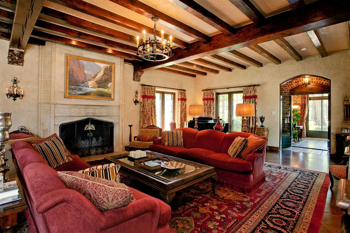 Luxury properties Historic grand mansion built in 1919