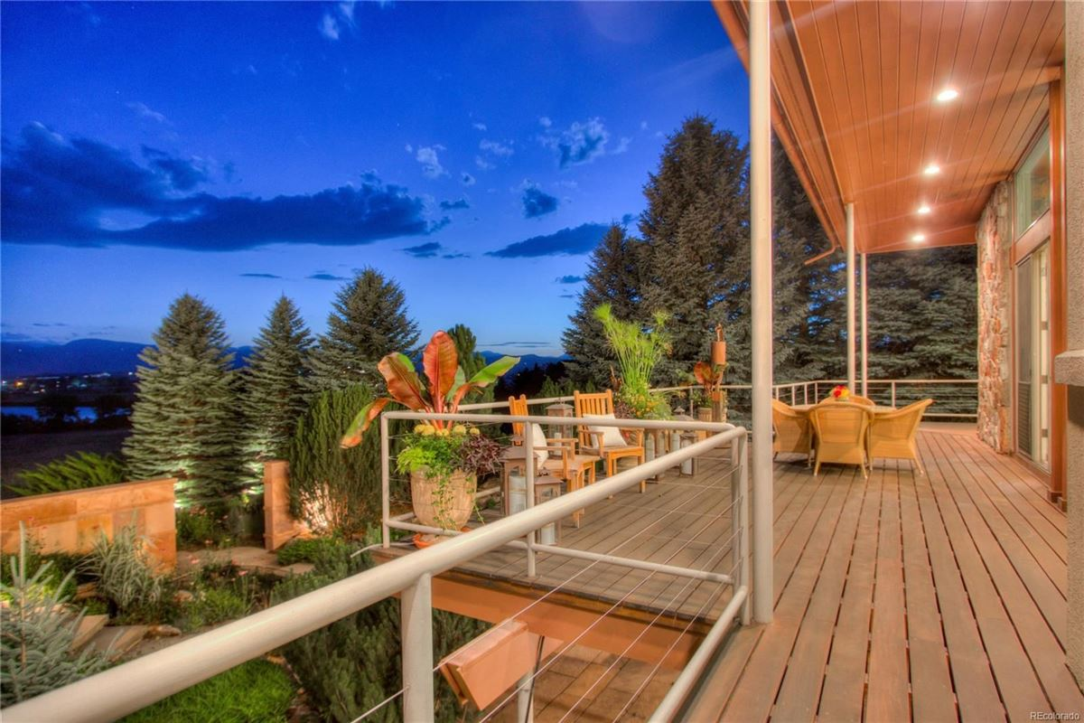 paradise minutes from Old Town Fort Collins mansions