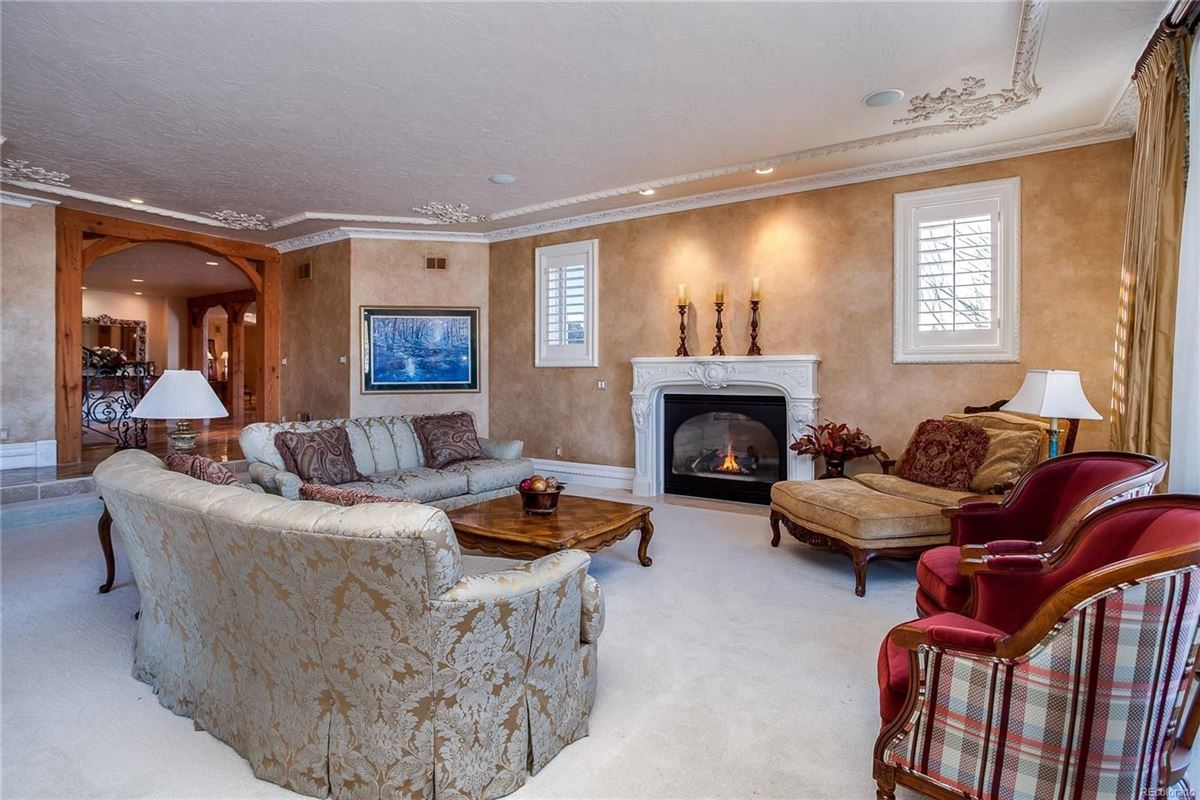 Luxury real estate Exceptional custom traditional estate