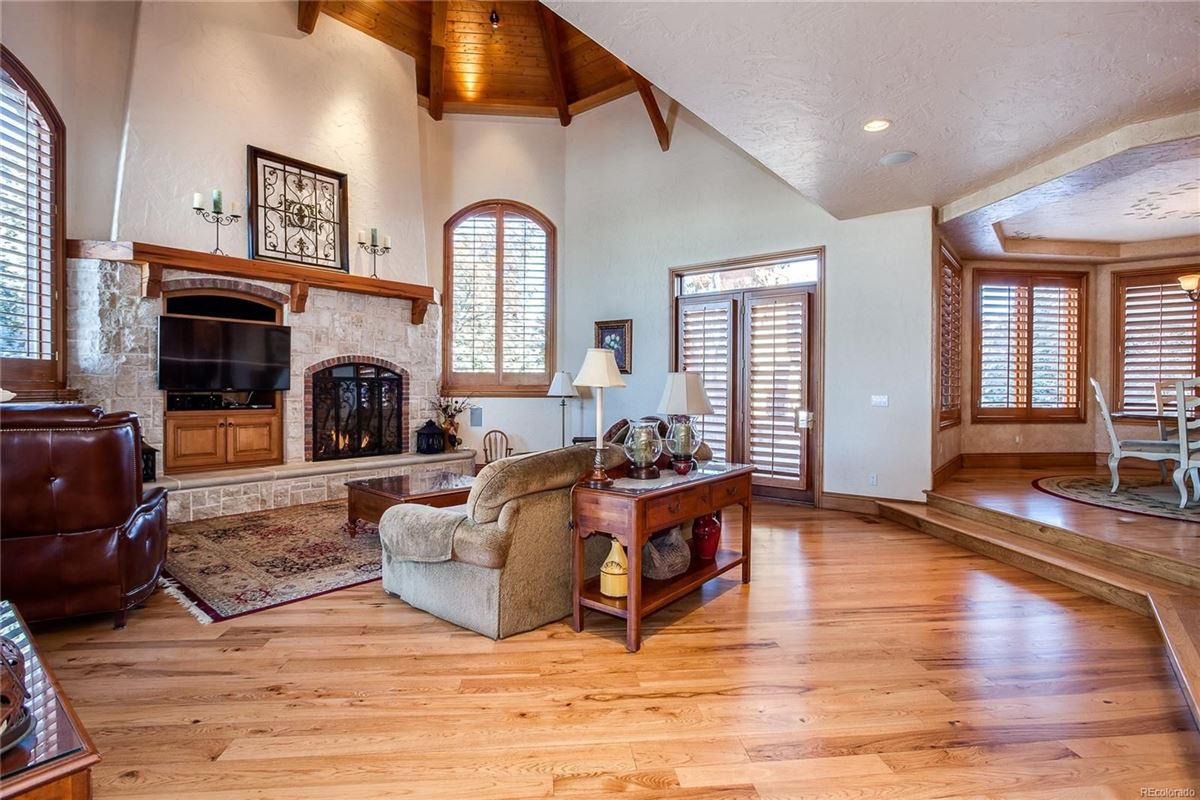 Luxury properties Exceptional custom traditional estate