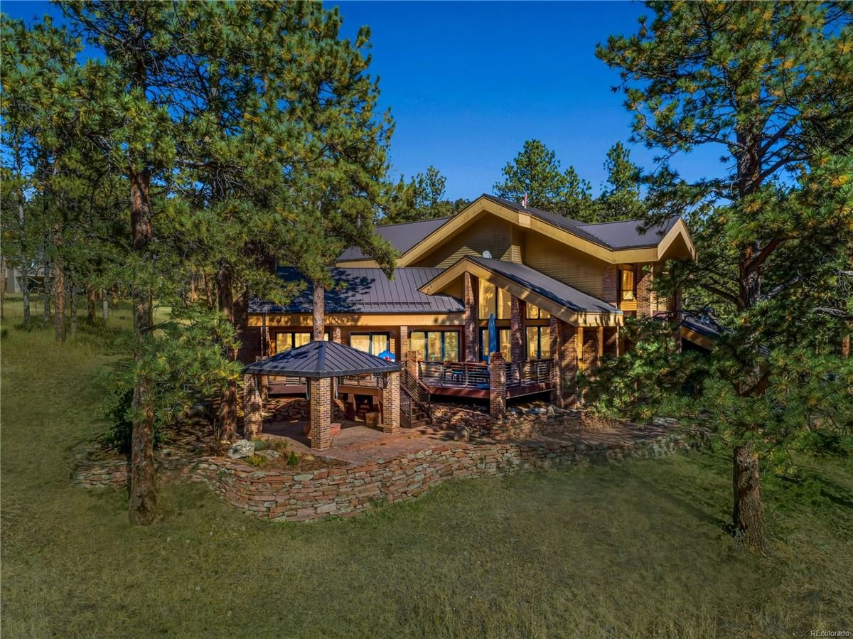 Luxury homes World Class Architectural Design in Colorado