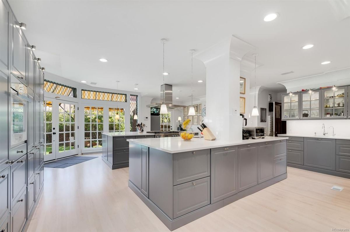 Luxury homes this spectacular home has grand street presence