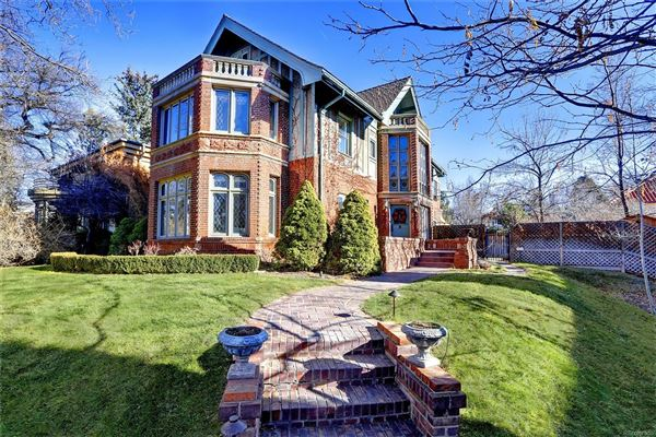 This Spectacular Home Has Grand Street Presence