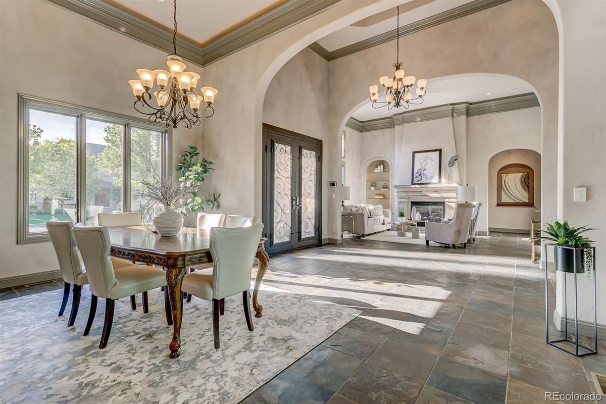 Luxury homes stunning estate home in Brookhaven