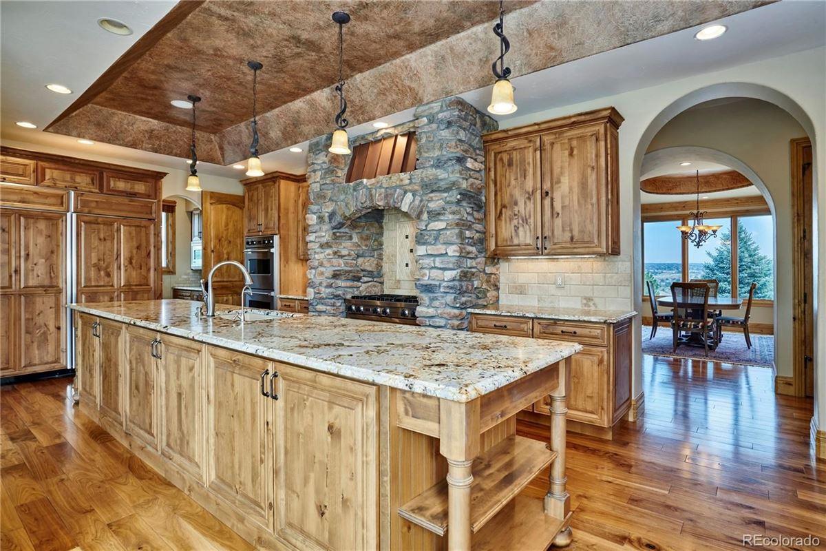 Custom Masterpiece in Idyllic Setting luxury real estate