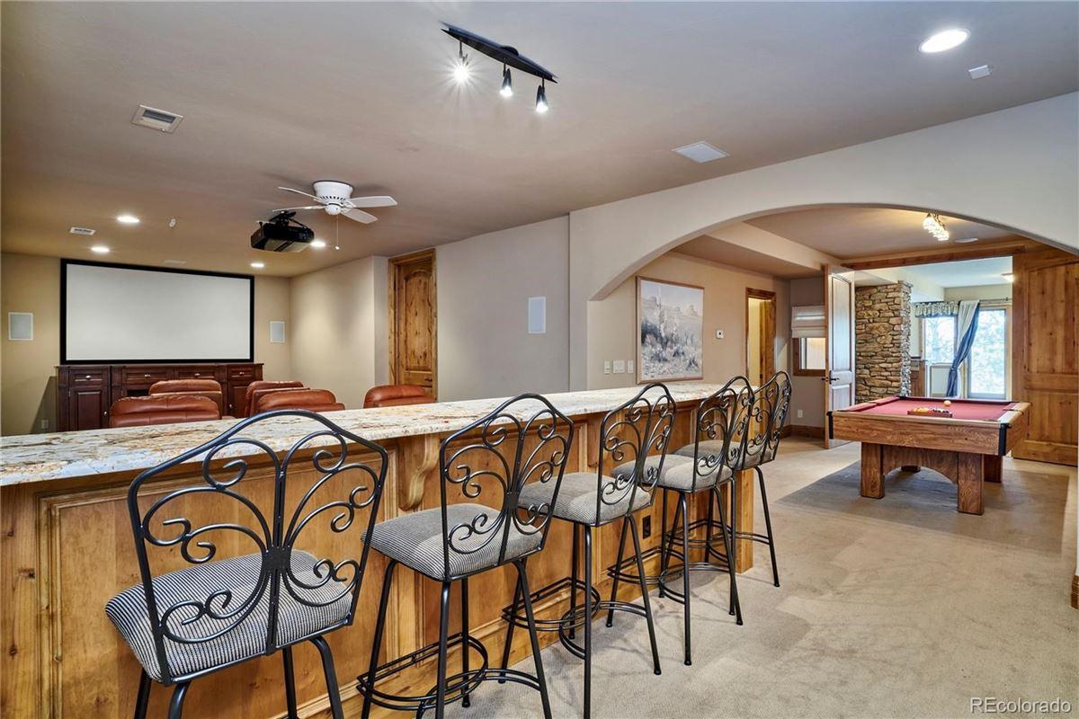 Custom Masterpiece in Idyllic Setting luxury homes