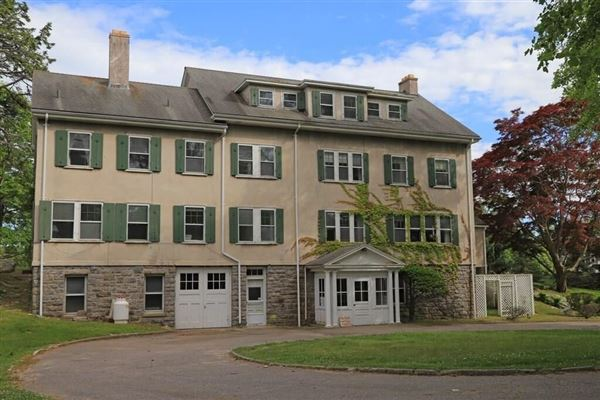 Mansions rock rose - beautiful solidly built home