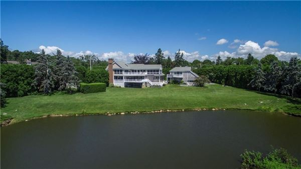 Luxury homes stunning property with 2.5 acres of sweeping views