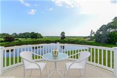 Luxury homes in stunning property with 2.5 acres of sweeping views