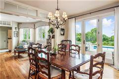 Luxury homes Classic on the Coast
