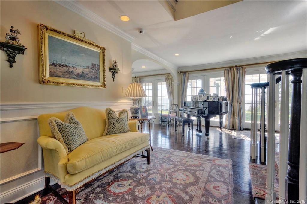 1 Falcon luxury properties