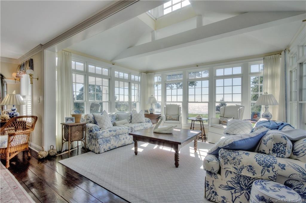 Luxury properties 1 Falcon