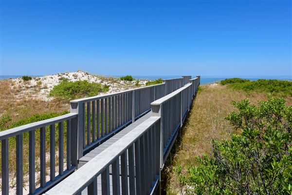 Luxury properties Amazing views and a private boardwalk