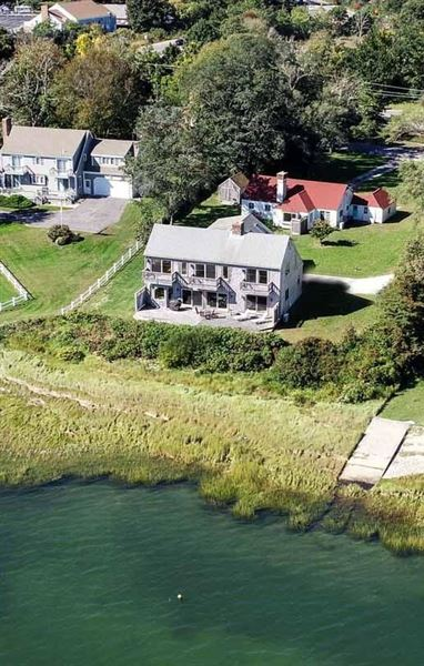Mansions in Well-constructed waterfront home