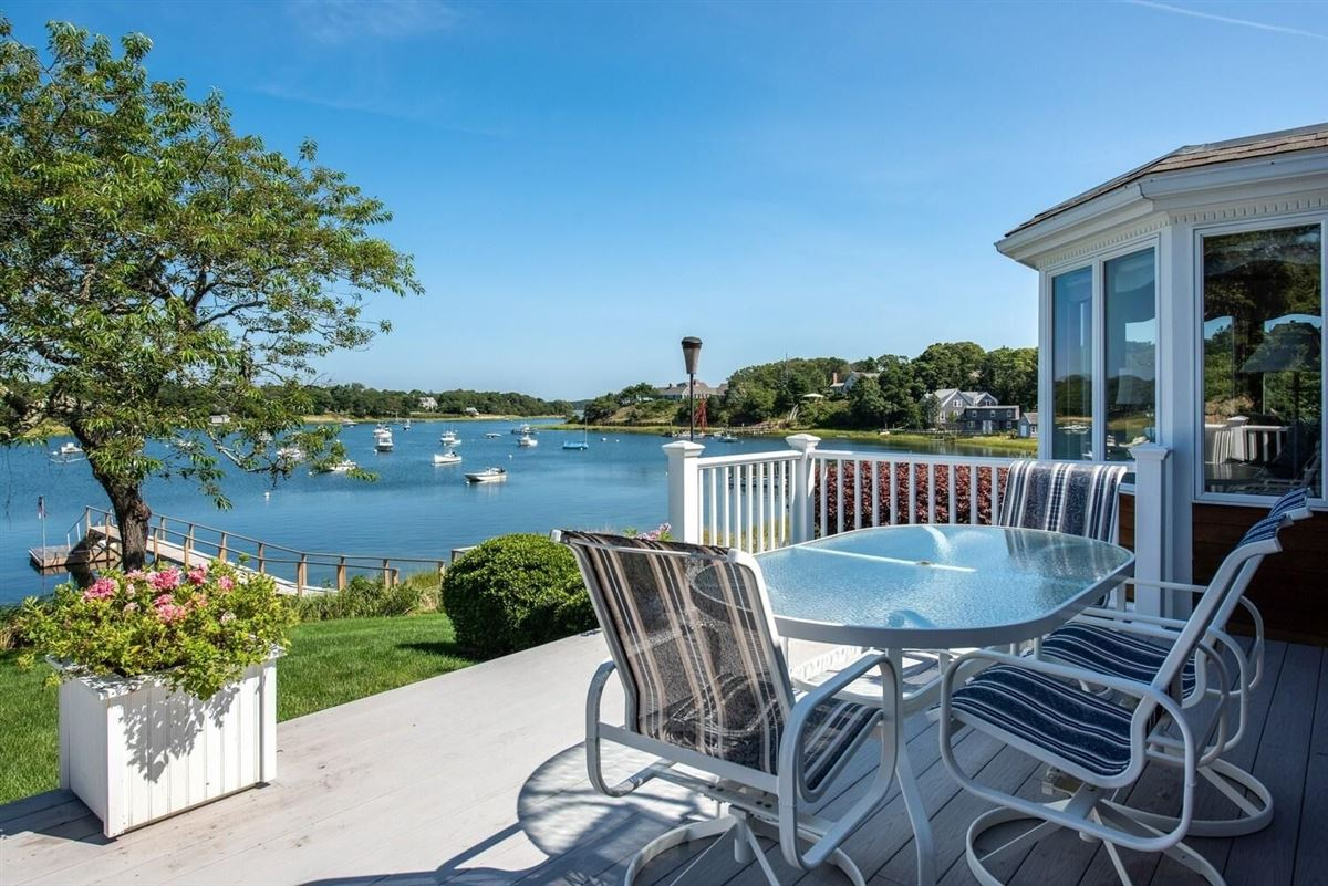 Luxury homes NORTH CHATHAM OCEANFRONT COMPOUND