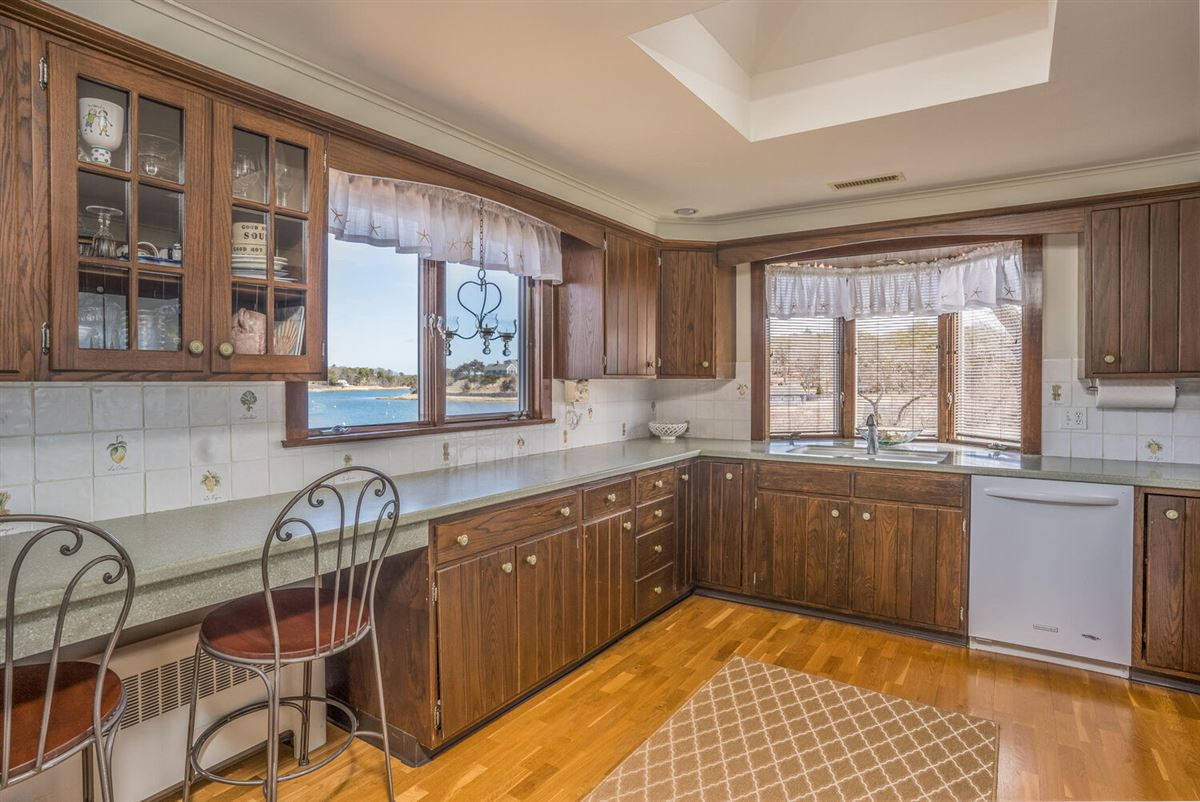 NORTH CHATHAM OCEANFRONT COMPOUND luxury real estate