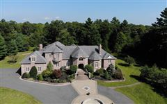 Luxury homes in private 16 acre estate