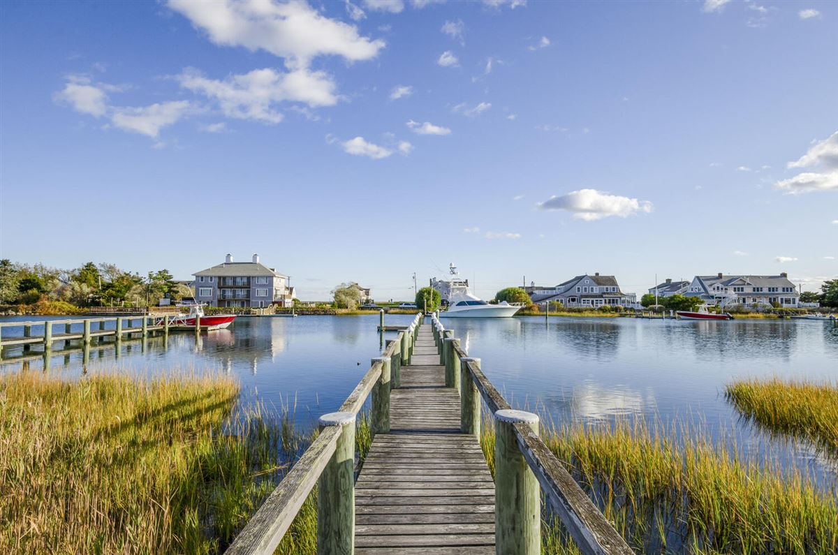 Exceptional waterfront Nantucket style Gambrel luxury homes