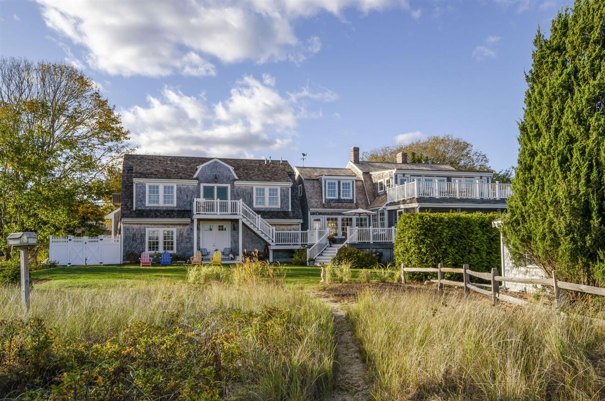 Luxury properties Exceptional waterfront Nantucket style Gambrel