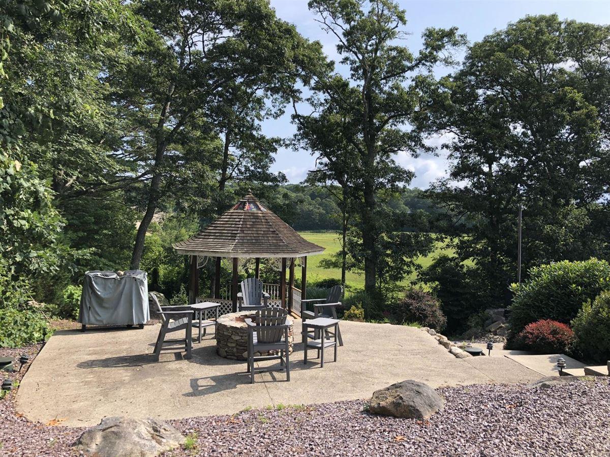 Luxury homes Wing Pond Estates
