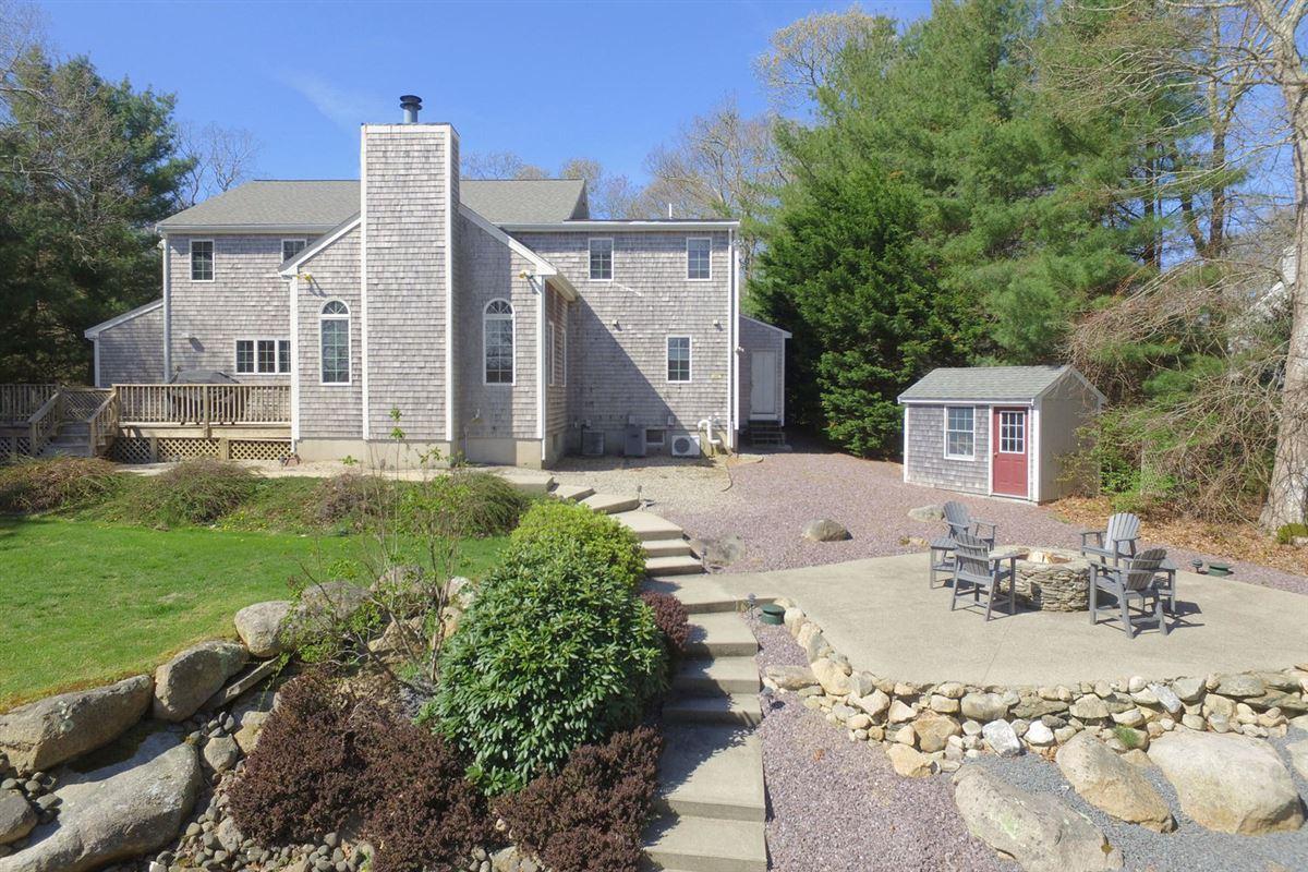 Wing Pond Estates luxury homes