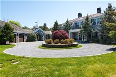 Mansions in stunning North Chatham estate