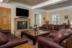 stunning North Chatham estate luxury homes