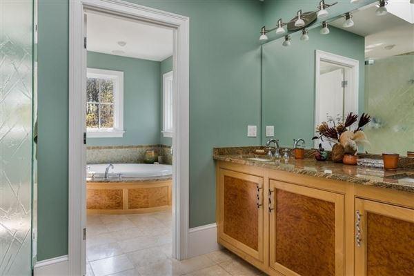 Luxury real estate stunning North Chatham estate