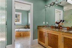 Mansions in stunning North Chatham estate