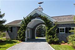 stunning North Chatham estate luxury properties