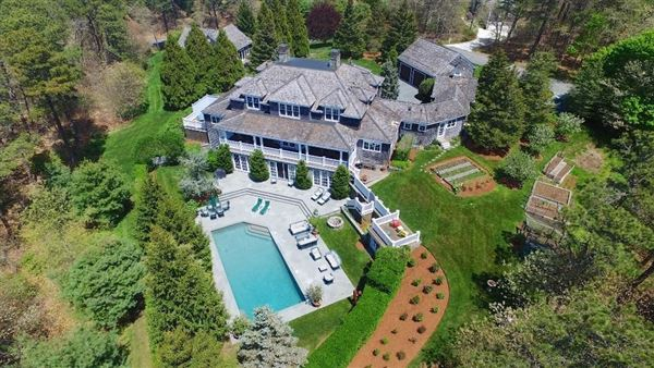 Luxury homes stunning North Chatham estate