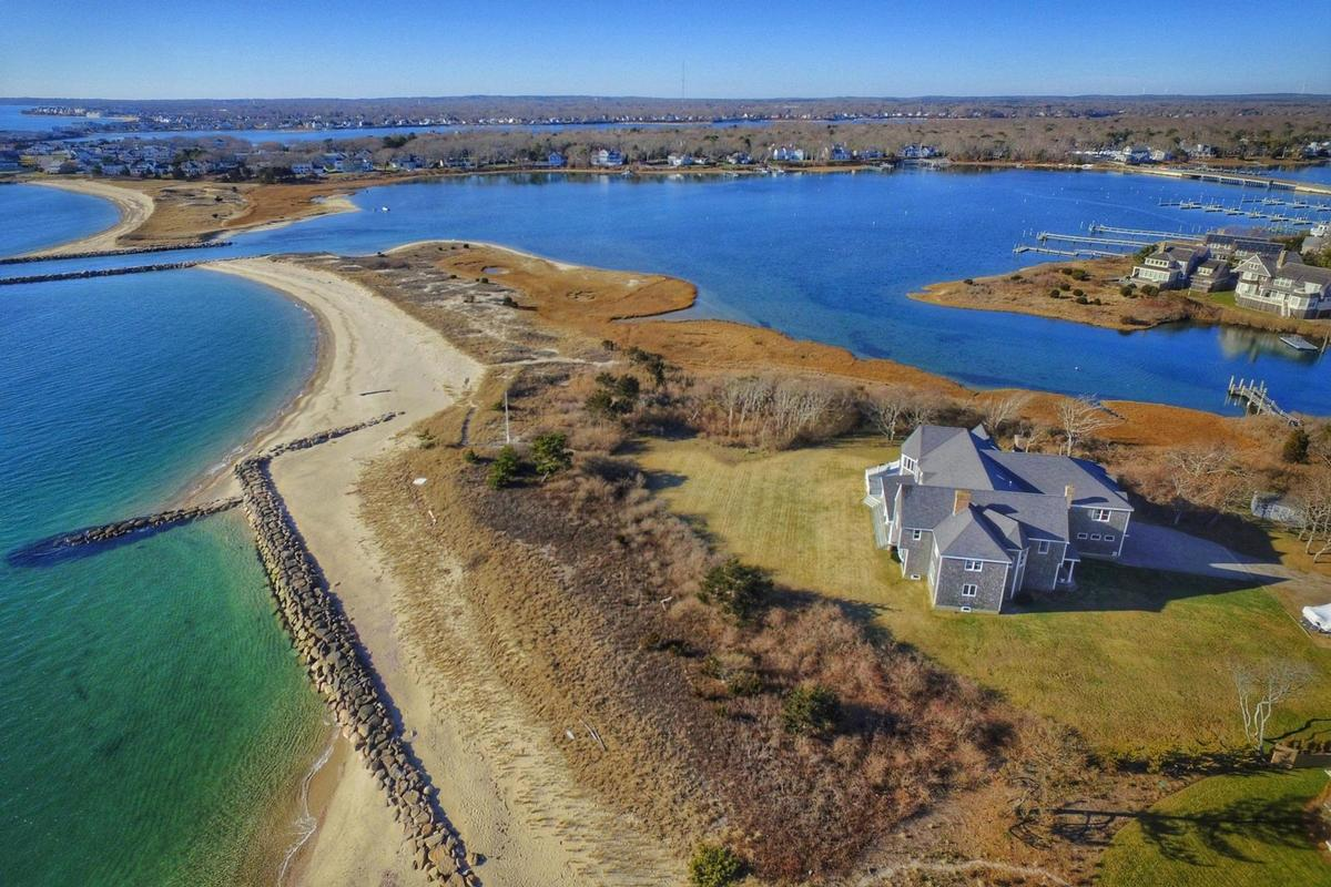 Luxury homes in Vineyard Sound 6.9 acre Waterfront Estate