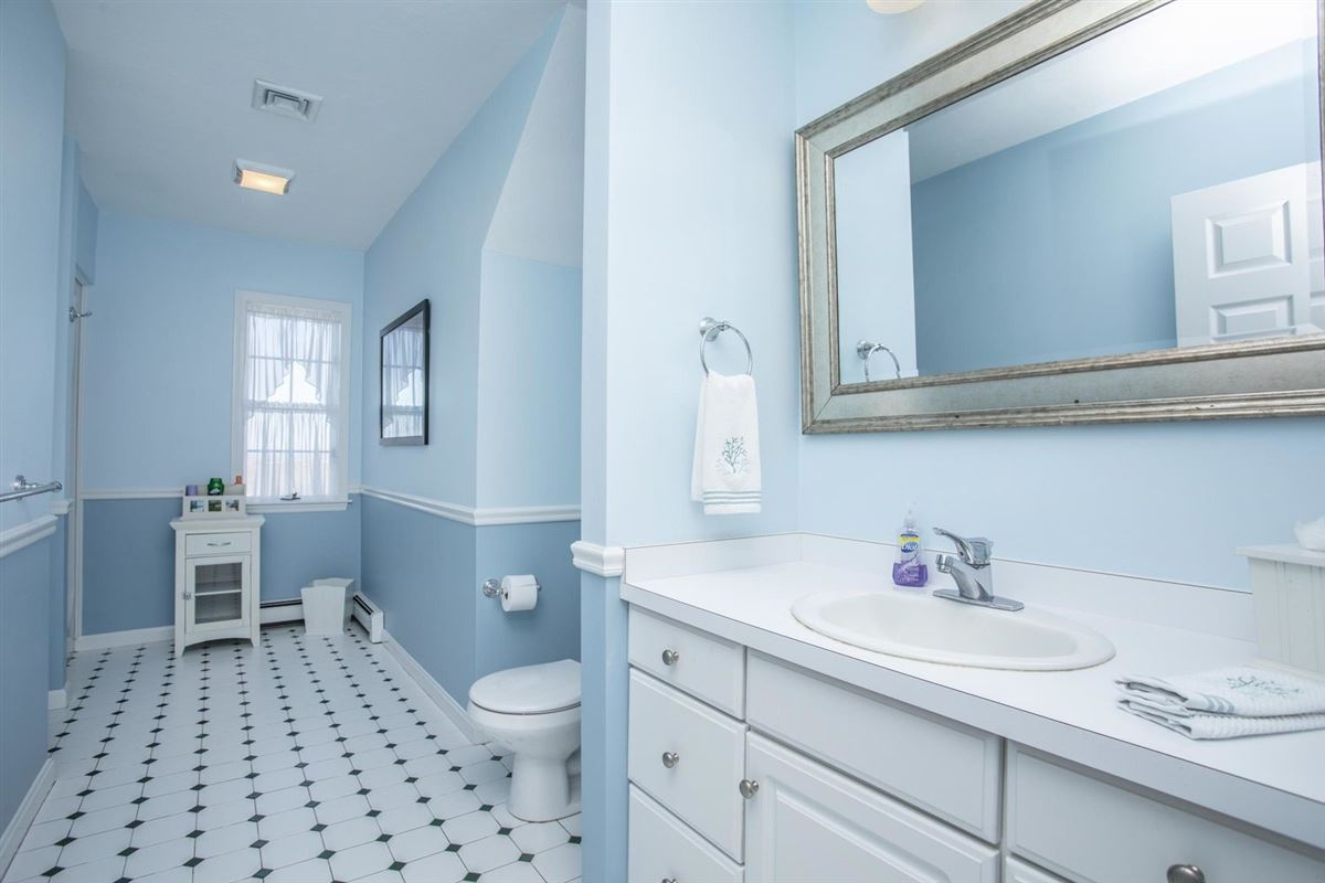 Luxury properties Stunning contemporary home